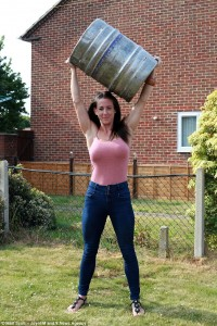 2AD9FDEF00000578-3174997-Katherine_Bartlett_31_from_Southampton_Hampshire_has_been_crowne-a-28_1437936039778